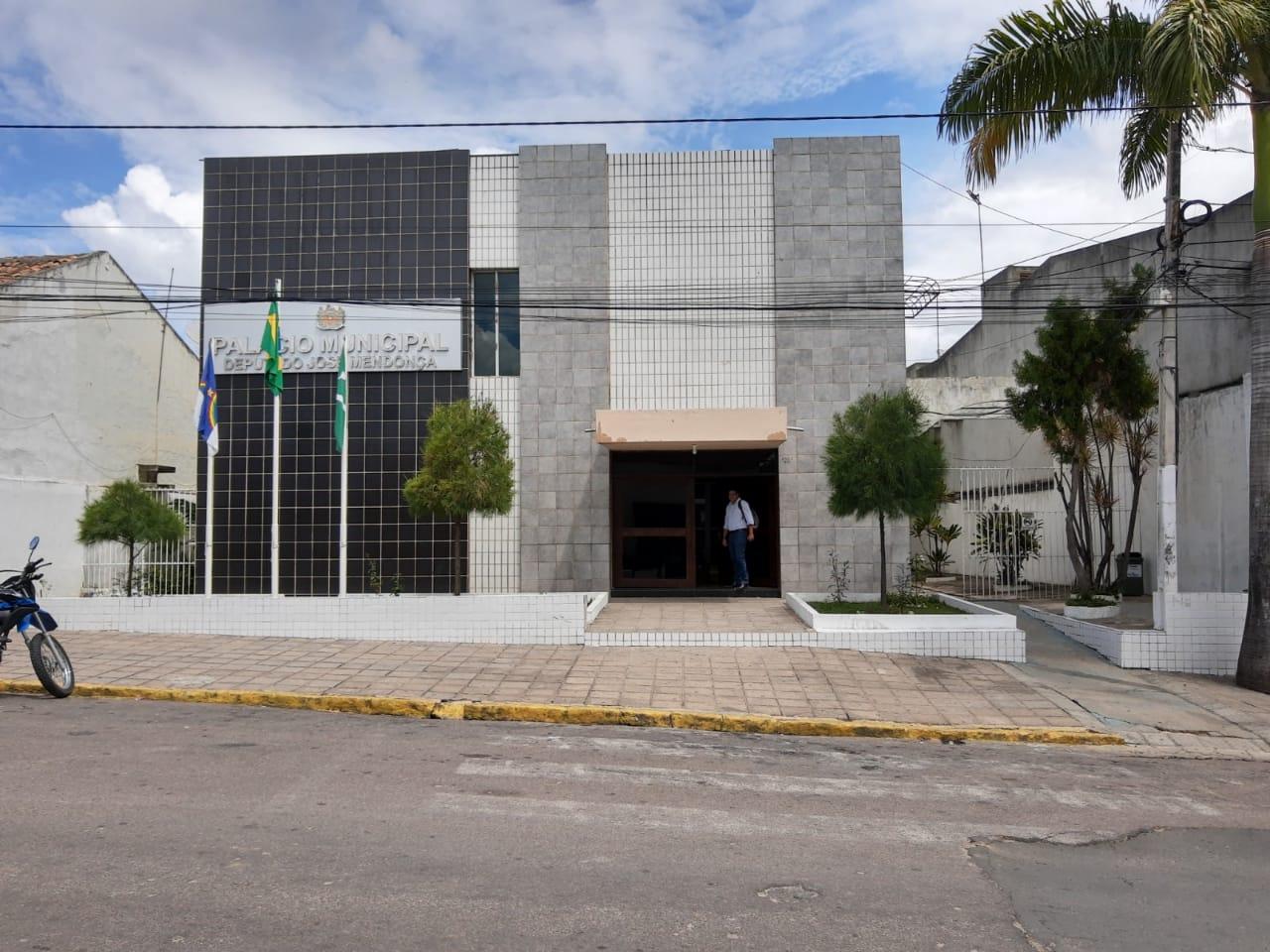 Celpe confirma atraso no pagamento e corte de energia da Prefeitura de Belo Jardim