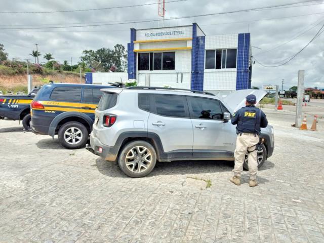 Carro irregular de concessionária do Recife é apreendido em Gravatá