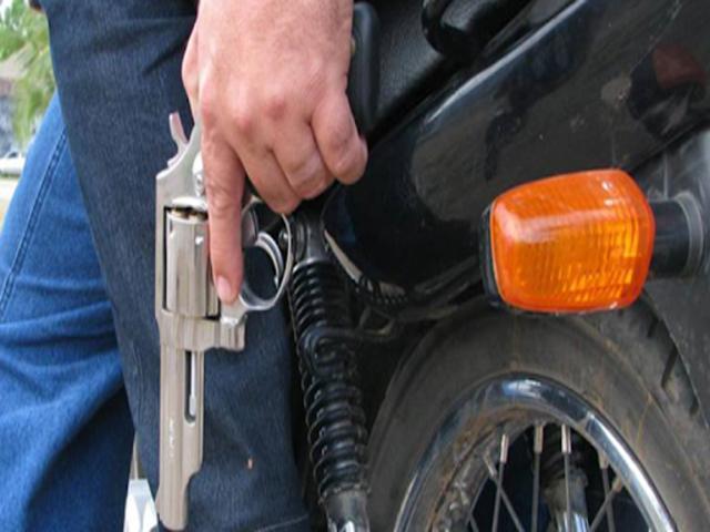 Moto é tomada de assalto em Belo Jardim