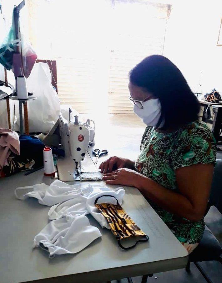 Belo-jardinense já produziu mais de 100 máscaras para doação