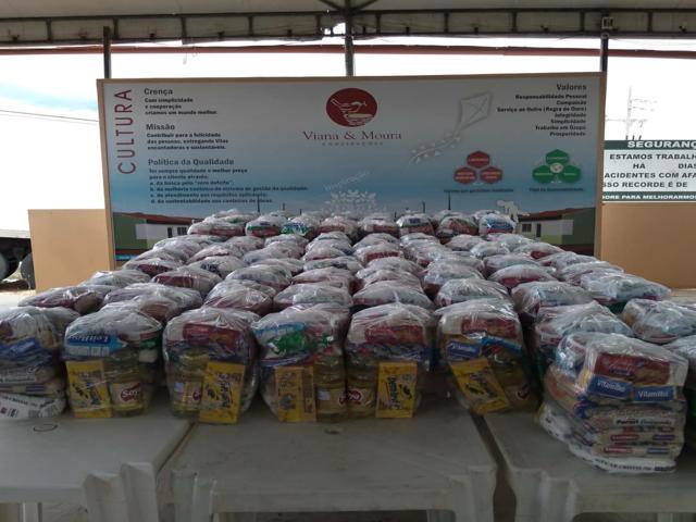 Viana & Moura Construções distribui 1 mil kits alimentação e higiene