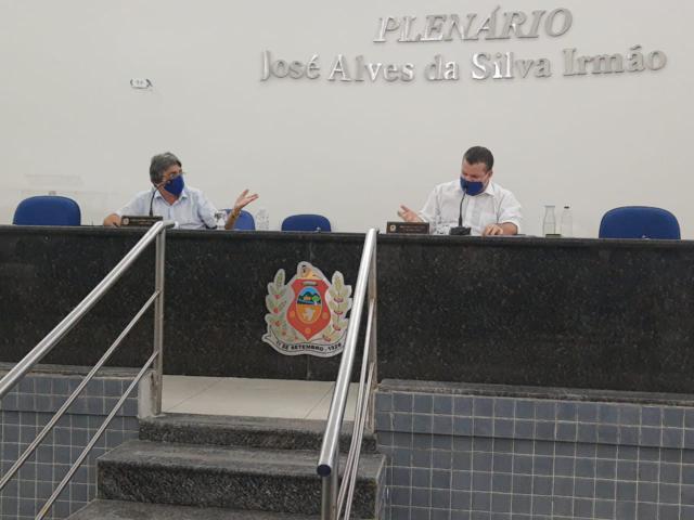 Gilvandro e Bruno sugerem redução dos salários dos vereadores