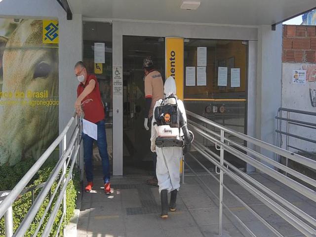 Banco suspende atividades após suspeita de funcionário com Covid-19