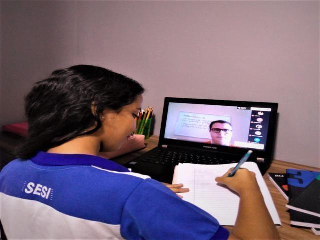 EAD: especialistas dão dicas de como aumentar a concentração das crianças e jovens