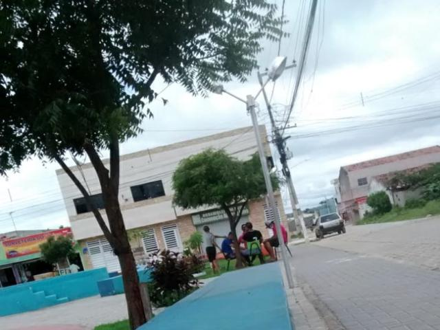 Secretaria de Saúde desarma feira no Maria Cristina, informa morador