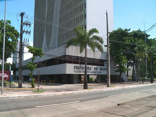PF faz buscas na prefeitura do Recife em investigação sobre compra de respiradores sem licitação