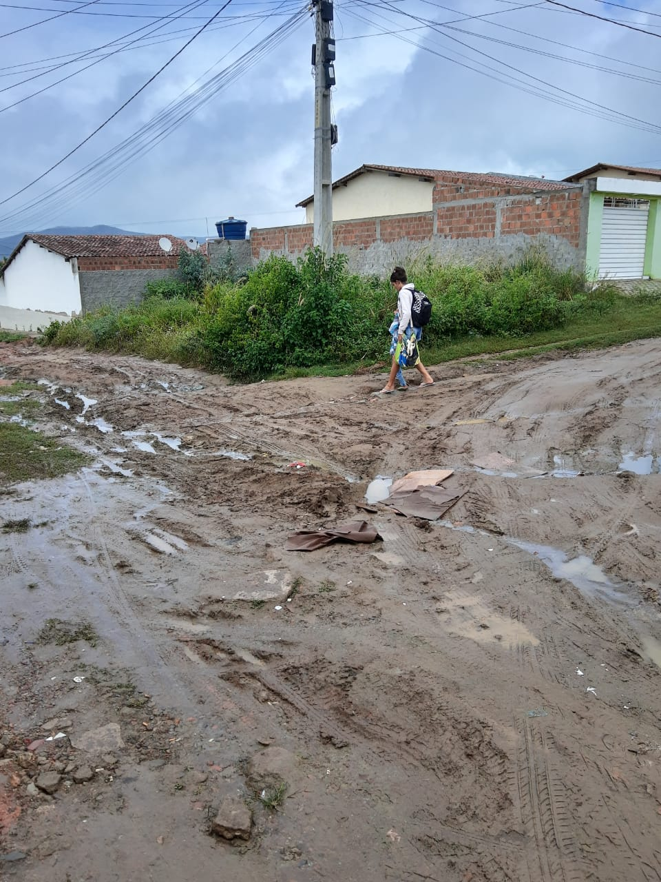 Assista: Viana e Moura da BR, uma verdadeira situação de estado de emergência