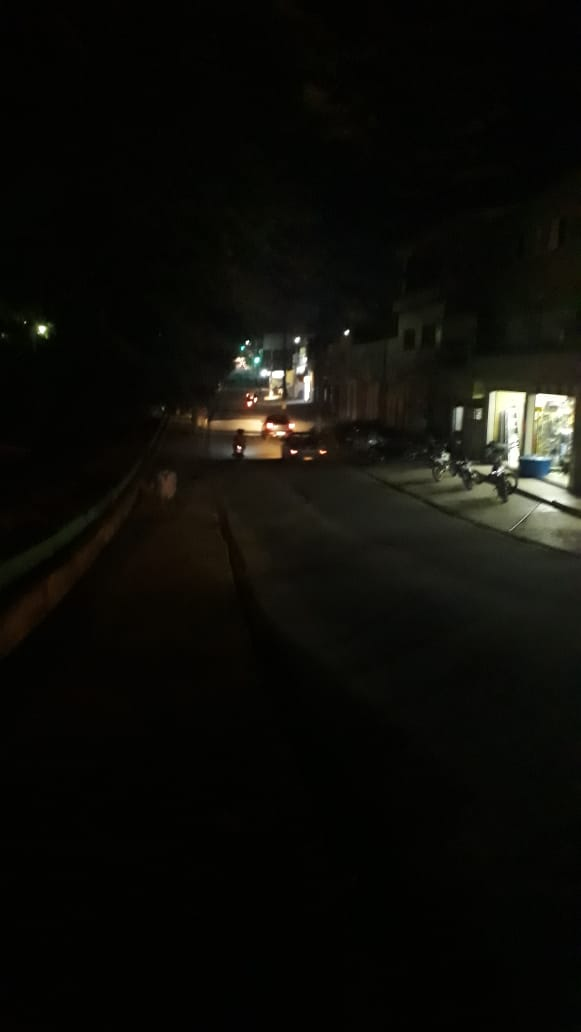 Internauta envia fotos e reclama da escuridão em bairros