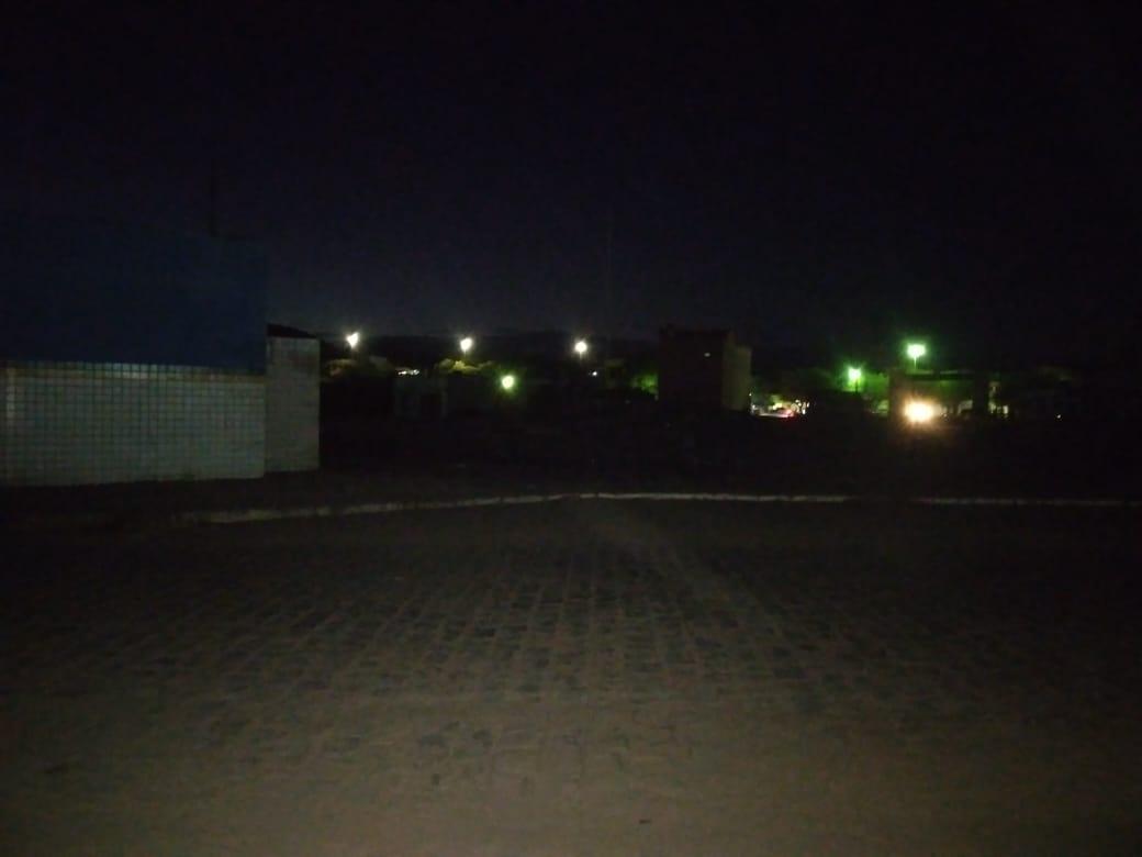 Pátio da Feira está às escuras e população pede socorro
