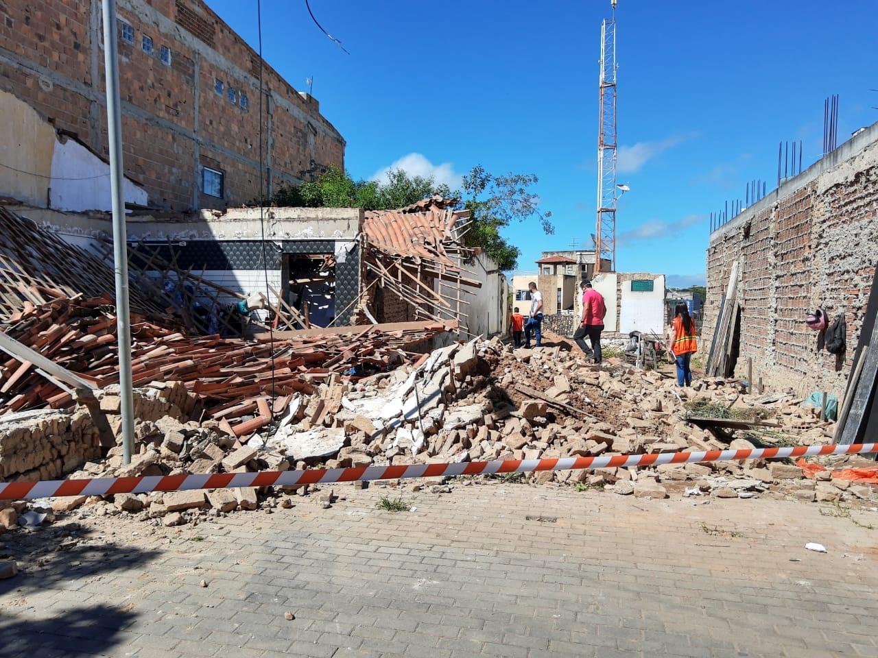 Loja desaba no Calçadão de Belo Jardim