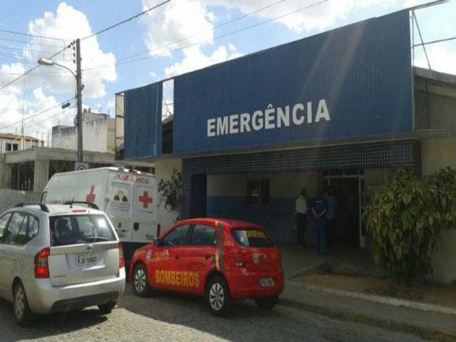 Pré-candidata relembra gestão do marido. Hospital de Belo Jardim foi fechado e até ratos circulavam na unidade