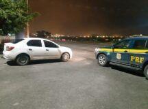 Homem é detido com carro roubado, após tentar fugir por 10 km na BR-232