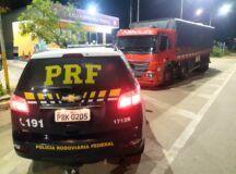 Caminhão com 37 toneladas de milho sem nota fiscal é retido pela PRF em Garanhuns