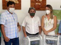 Mendonça Filho e Gilvandro entregam dois respiradores mecânicos à UPA24h de Belo Jardim
