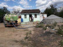 Prefeitura de Belo Jardim distribui mais de um milhão de litros de água às famílias da zona rural entre janeiro e fevereiro