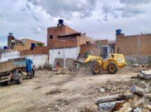 Estrutura da antiga Cadeia Pública é demolida e ação de limpeza retira toneladas de lixo e entulho