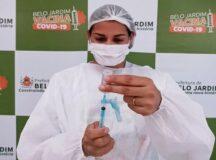 Prefeitura de Belo Jardim recebe novas doses da vacina contra Covid-19
