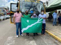 Em ato simbólico, Mendonça Filho entrega ônibus 0km para a rede municipal de ensino de Belo Jardim