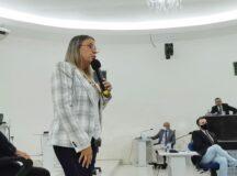 """""""Minha experiência como educadora é de trabalho e valorização da comunidade escolar"""", disse a secretária de Educação de Belo Jardim, em resposta ao vereador Nilton Senhorinho"""