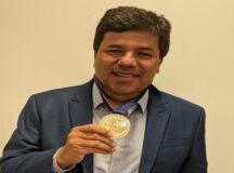 Mendonça é homenageado pelo Instituto do Fígado com a Medalha Ricardo Brennand