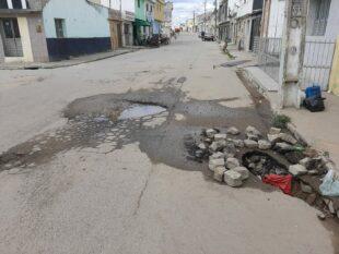 Morador reclama de buraco na Avenida Coronel João Leite em Belo Jardim