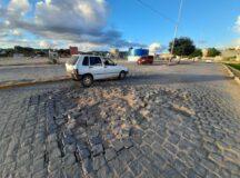 Motoristas pedem conserto na Avenida Natalício Amaro em Belo Jardim