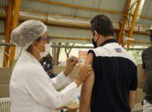 Trabalhadores da indústria e construção civil de Belo Jardim tem faixa etária da vacinação contra Covid-19 ampliada para 30 anos