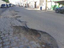Belo Jardim: Moradores e comerciantes denunciam pavimentação danificada após obras da Compesa na Avenida Santo Antônio