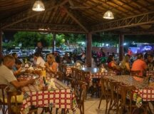 Pernambuco amplia horário de funcionamento de bares, restaurantes e cinemas