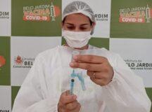 Pessoas a partir dos 36 anos podem ser vacinadas contra Covid-19, neste sábado (17), em Belo Jardim