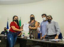Prefeitura de Belo Jardim dá posse aos 30 novos profissionais da educação