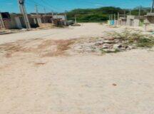 Moradora denuncia buracos no loteamento Marcos Leite em Belo Jardim