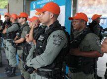 Policiais militares de Pernambuco vão usar câmeras acopladas às fardas