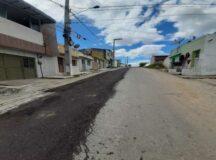 Após denúncia do BJ1, Compesa inicia conserto do pavimento na Rua do Cemitério em Belo Jardim