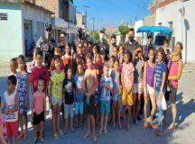 PMs realizam ação social em comemoração ao Dia das Crianças em Cachoeirinha